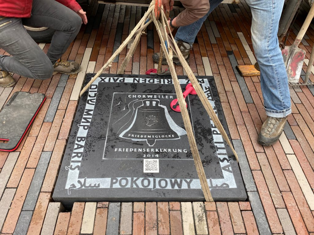Gedenktafel Chorweiler Friedensglocke